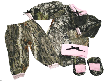Girls Easy On L/s Set Mossy Oak W/pink Trim Hat, Booties 3-6 Mo