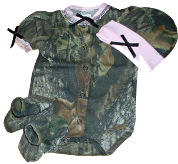 Girls Easy On S/s Set Mossy Oak W/pink Trim Hat, Booties 3-6 Mo